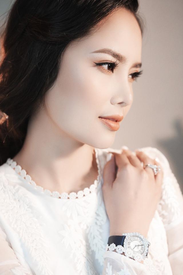 Chi 1 tỷ phẫu thuật thẩm mỹ, Á hậu Thùy Giang khoe nhan sắc đốn triệu trái tim - Ảnh 4.