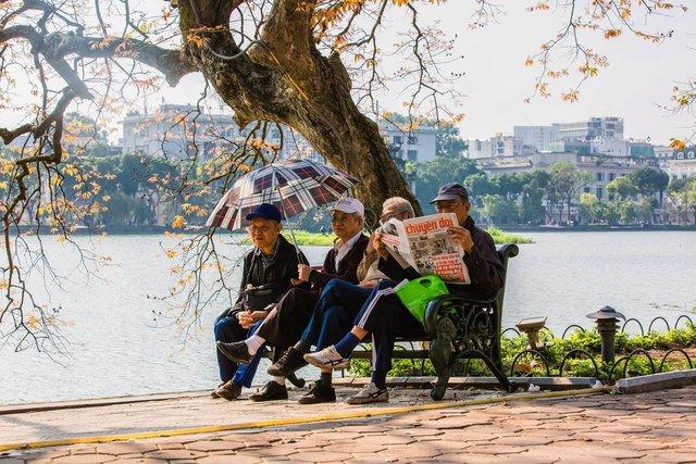 Hà Nội, Sài Gòn: Có những ngày cuối năm bình dị như thế! - Ảnh 2.