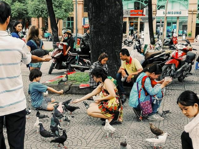 Hà Nội, Sài Gòn: Có những ngày cuối năm bình dị như thế! - Ảnh 6.
