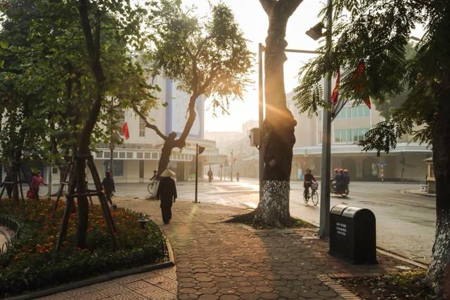 Khám phá thành phố - Đi để biết Hà Nội cổ kính và Sài Gòn nhộn nhịp như thế! - Ảnh 1.
