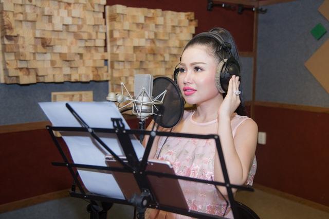 Janny Thủy Trần kết hợp cùng nhạc sĩ Tăng Nhật Tuệ ra mắt MV Tết - Ảnh 6.