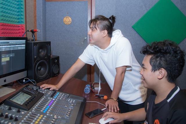 Janny Thủy Trần kết hợp cùng nhạc sĩ Tăng Nhật Tuệ ra mắt MV Tết - Ảnh 7.