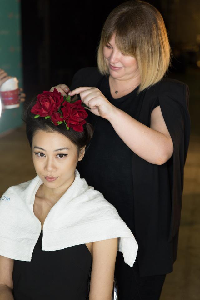 Bỏ túi bí kíp tóc đẹp từ hậu trường show diễn của hơn 100 người mẫu - Ảnh 9.