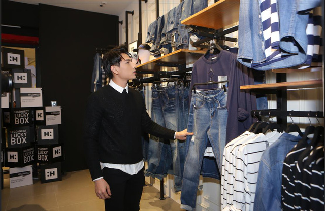 Bích Phương, Isaac cùng các fashion icon góp mặt ngày khai trương thương hiệu thời trang Hàn Quốc - Ảnh 3.