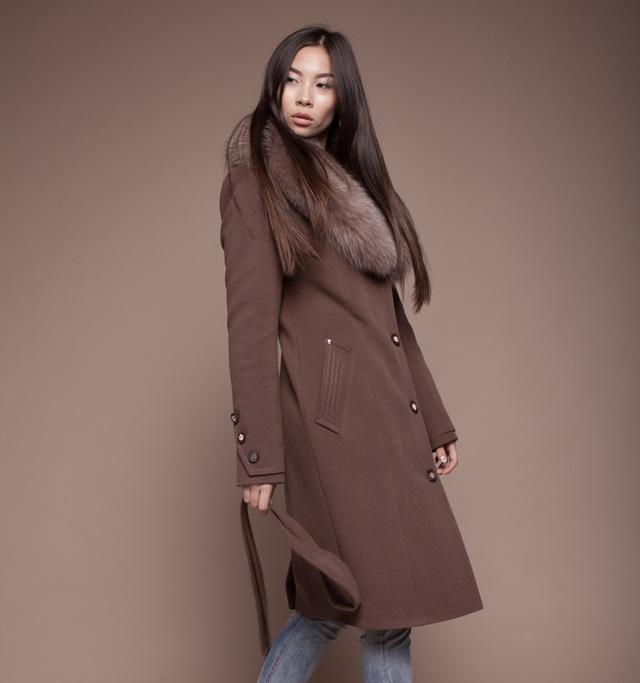 4 bí kíp giúp bạn tự tin diện áo khoác dạ mùa lạnh - Ảnh 1.