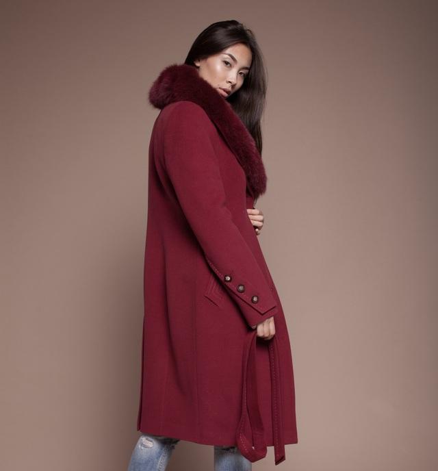 4 bí kíp giúp bạn tự tin diện áo khoác dạ mùa lạnh - Ảnh 2.