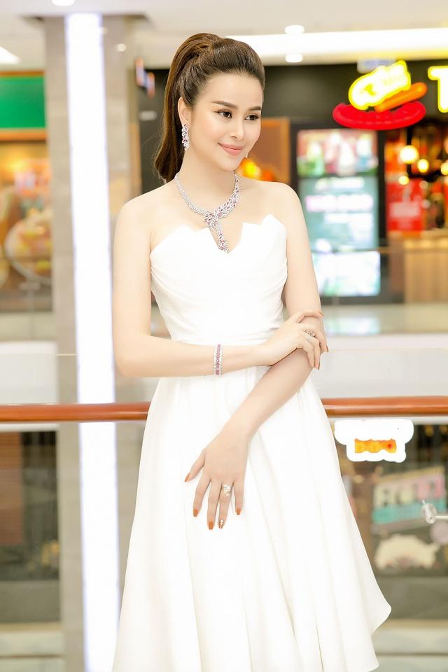 Hoa hậu Sella Trương diện cây hàng hiệu 3 tỷ sánh đôi cùng Quý Bình - Ảnh 7.