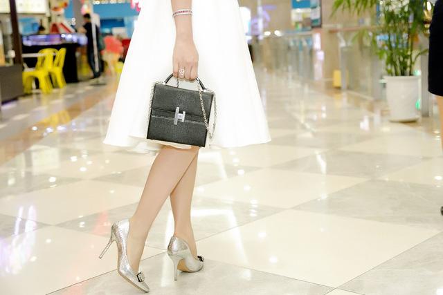 Hoa hậu Sella Trương diện cây hàng hiệu 3 tỷ sánh đôi cùng Quý Bình - Ảnh 11.