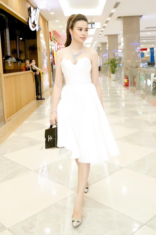 Hoa hậu Sella Trương diện cây hàng hiệu 3 tỷ sánh đôi cùng Quý Bình - Ảnh 12.