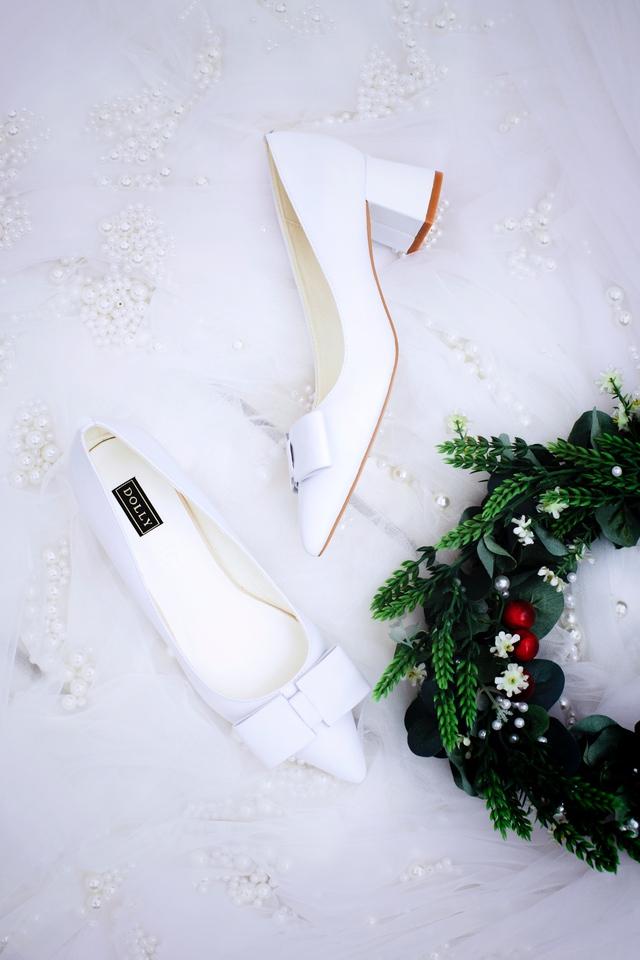 Thuần khiết và trong trẻo như những đôi giày cưới của Dolly - Ảnh 4.