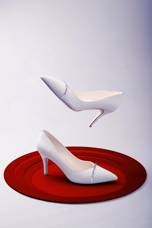 Thuần khiết và trong trẻo như những đôi giày cưới của Dolly - Ảnh 10.