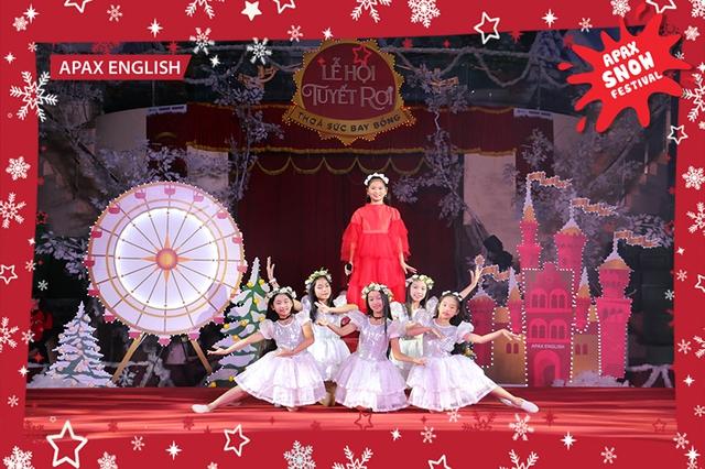 """""""Nam Tào Xuân Bắc"""" mang niềm vui đến với khán giả nhítại Lễ hội Tuyết rơi - Ảnh 4."""