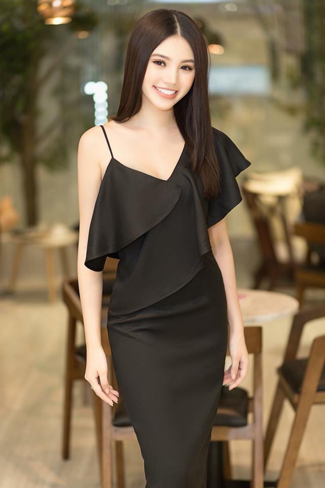 """""""Tiểu thư làng mốt"""" Jolie Nguyễn tỏa sáng với thương hiệu thời trang Việt - Ảnh 8."""