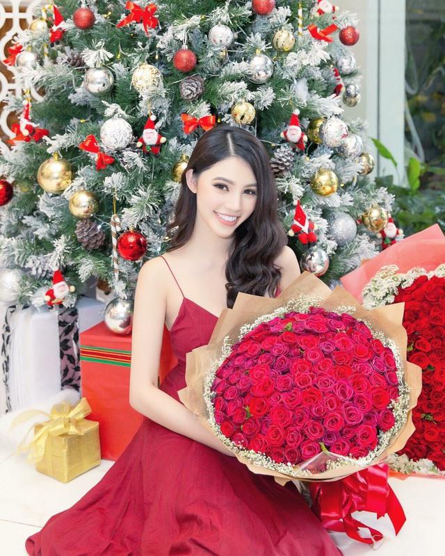 """""""Tiểu thư làng mốt"""" Jolie Nguyễn tỏa sáng với thương hiệu thời trang Việt - Ảnh 11."""
