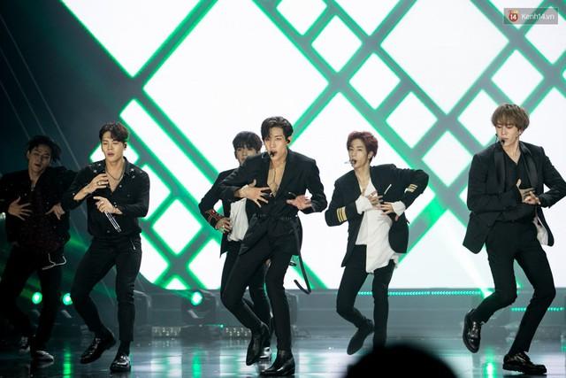 Trong một đêm diễn tại Việt Nam, GOT7, Đông Nhi cùng loạt nghệ sĩ Việt để lại những khoảnh khắc đẹp sâu lắng - Ảnh 6.