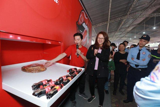 Dường như cả Hà Nội đều đang đổ về lễ hội ẩm thực đường phố này để ăn ngon, chụp ảnh đẹp! - Ảnh 7.