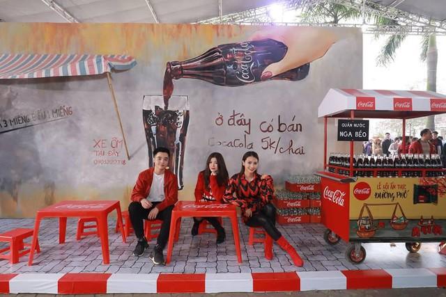 Dường như cả Hà Nội đều đang đổ về lễ hội ẩm thực đường phố này để ăn ngon, chụp ảnh đẹp! - Ảnh 10.