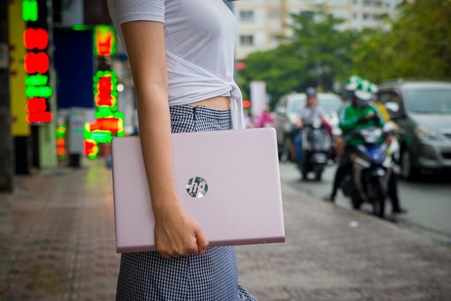 HP Pavilion 14 ra mắt phiên bản hồng nữ tính cho phái đẹp nhân dịp Valentine - Ảnh 1.