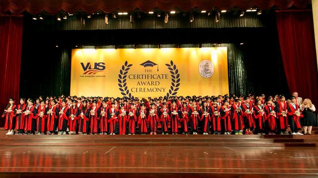 Anh văn Hội Việt Mỹ xác lập kỷ lục trao 99.775 chứng chỉ quốc tế cho học viên - Ảnh 3.