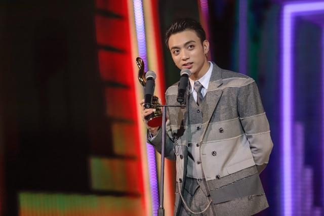 Min, Soobin, Hương Tràm đại thắng tại Zing Music Awards 2017 - Ảnh 3.