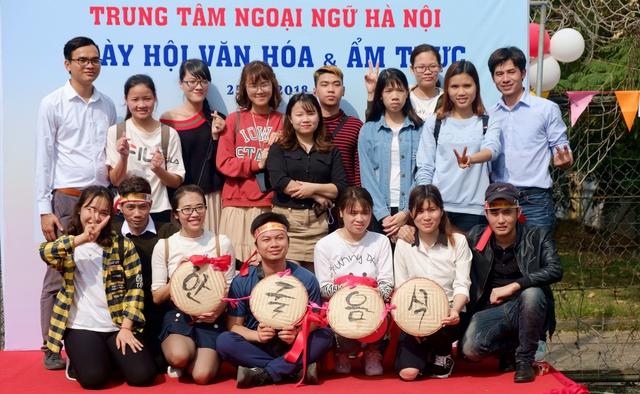 Ngày hội văn hóa, ẩm thực chào xuân 2018 tại trung tâm ngoại ngữ Hà Nội - Ảnh 3.