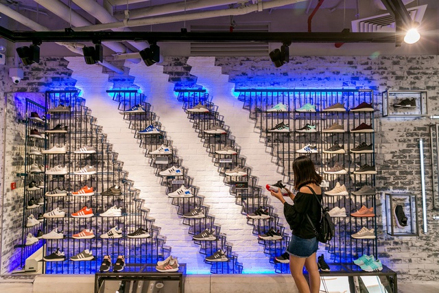 Đột nhập không gian cửa hàng siêu chất của adidas tại Bitexco - Ảnh 2.