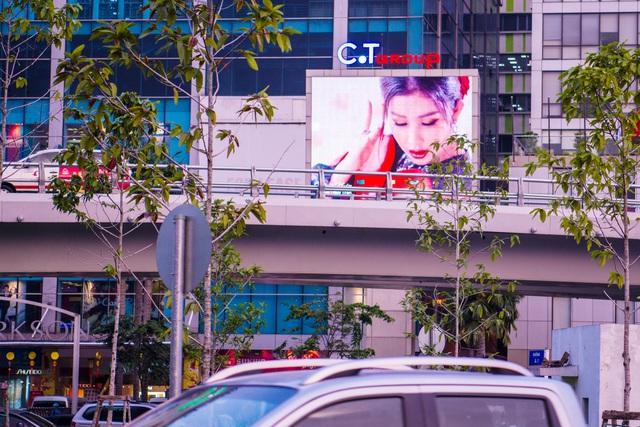 MV Mộng Xuân xuất hiện khắp nơi chỉ sau 1 tuần ra mắt - Ảnh 6.