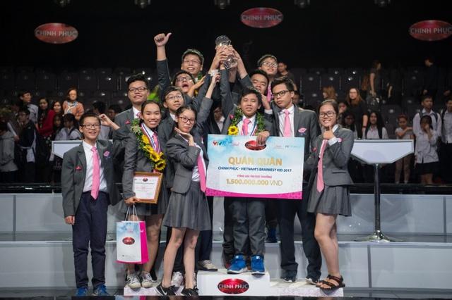 """Quán quân Chinh Phục 2017: """"Giải thưởng cuộc thi đã đưa em đến ngôi trường trong mơ"""" - Ảnh 1."""