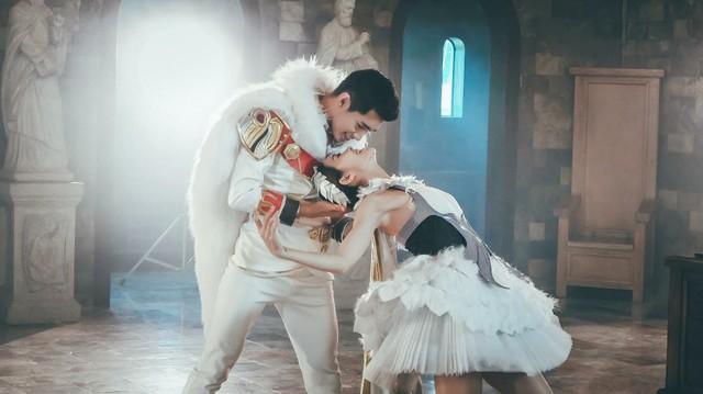 Quang Đăng bất ngờ tái xuất với vũ đạo cực đỉnh cho Valentine năm nay - Ảnh 6.