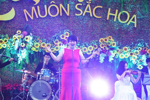 Vui tưng bừng với Lễ hội kỳ quan muôn sắc hoa tại Sun World Halong Complex - Ảnh 2.