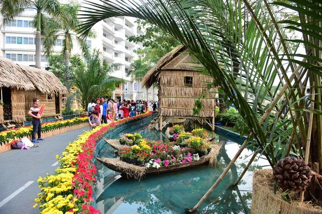 Du khách thích thú với không gian Nhà Bè xưa tại Phú Mỹ Hưng - Ảnh 3.