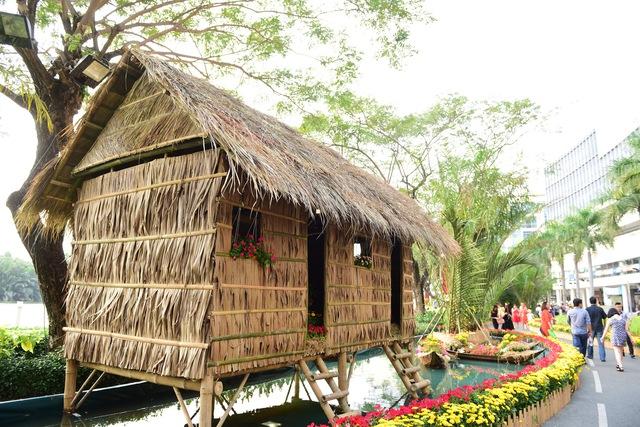 Du khách thích thú với không gian Nhà Bè xưa tại Phú Mỹ Hưng - Ảnh 4.