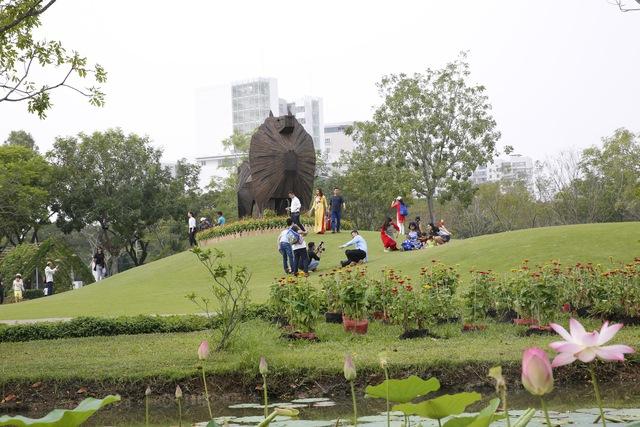 Du khách thích thú với không gian Nhà Bè xưa tại Phú Mỹ Hưng - Ảnh 7.