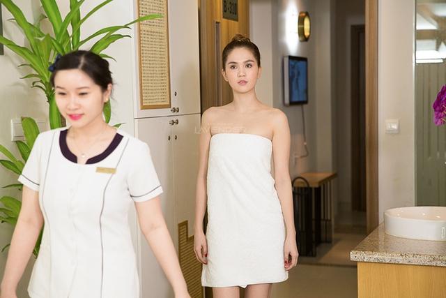 Ngọc Trinh đeo khẩu trang, ăn mặc đơn giản đi spa đầu năm - Ảnh 3.