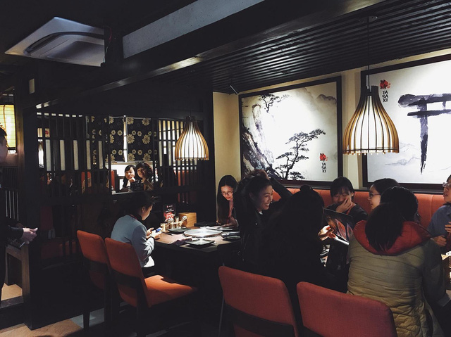 Thiên đường ẩm thực nướng than hoa Nhật Bản trên phố Bùi Thị Xuân - Ảnh 4.