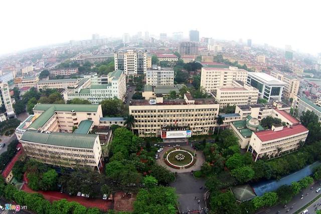 Những trường đại học có khuôn viên đẹp như khu nghỉ dưỡng - Ảnh 10.