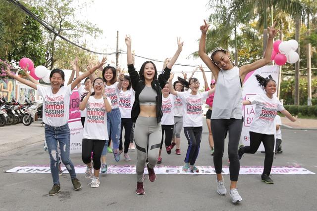 Mai Ngô, Chi Pu tích cực tham gia các hoạt động thể thao, truyền cảm hứng cho sinh viên - Ảnh 4.