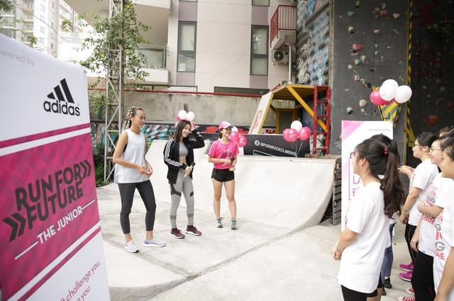 Mai Ngô, Chi Pu tích cực tham gia các hoạt động thể thao, truyền cảm hứng cho sinh viên - Ảnh 7.