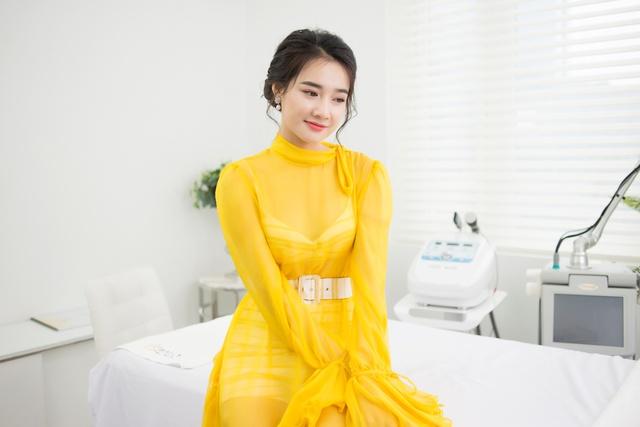 Bắt gặp Nhã Phương đi làm đẹp tại Hà Nội sau scandal tình cảm - Ảnh 7.