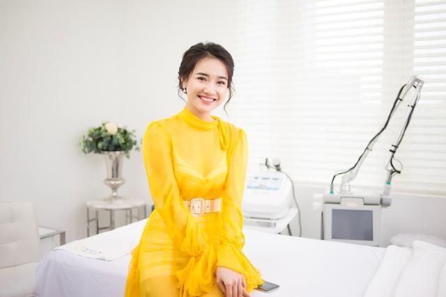 Bắt gặp Nhã Phương đi làm đẹp tại Hà Nội sau scandal tình cảm - Ảnh 8.