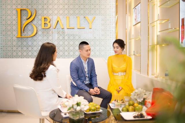 Bắt gặp Nhã Phương đi làm đẹp tại Hà Nội sau scandal tình cảm - Ảnh 10.