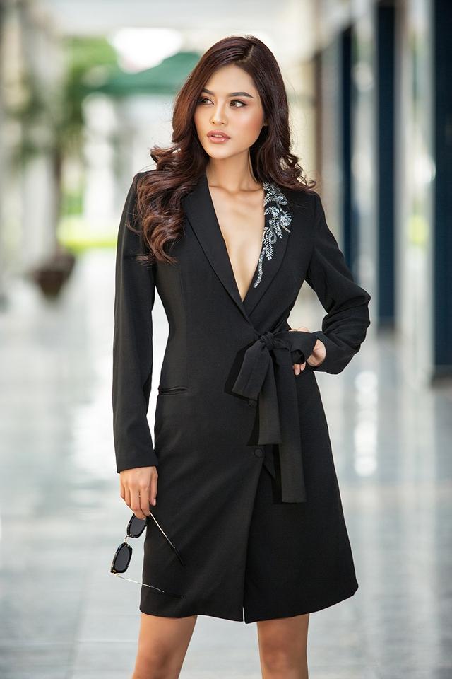 Miss Hiếu Hòa mang vẻ đẹp áo dài đến đất Pháp - Ảnh 5.