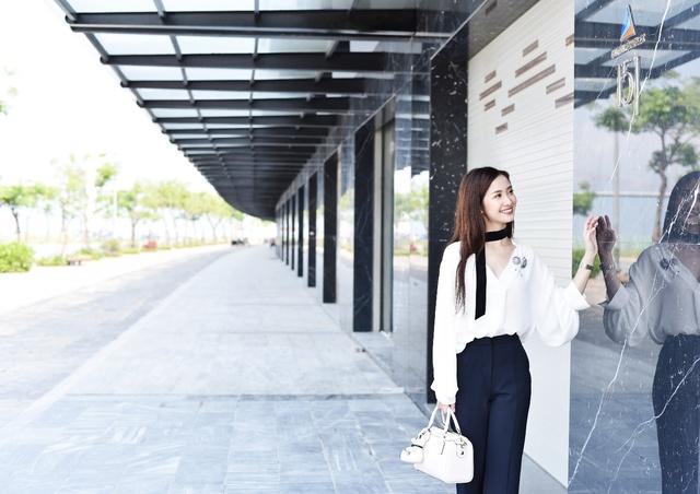 Bắt gặp Jun Vũ Tháng năm rực rỡ xuất hiện sang chảnh tại Đà Nẵng - Ảnh 5.