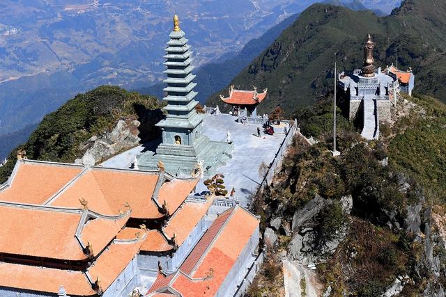Kiến trúc chùa Việt trên đỉnh núi đẹp như tiên cảnh trên đỉnh Fansipan - Ảnh 3.