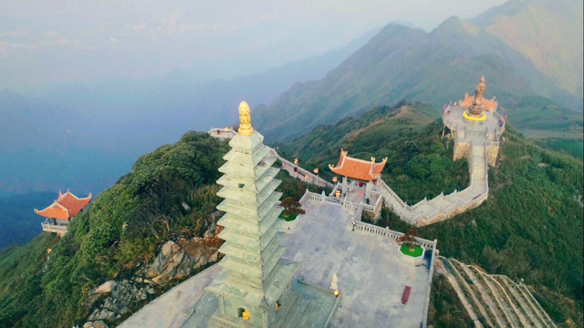 Kiến trúc chùa Việt trên đỉnh núi đẹp như tiên cảnh trên đỉnh Fansipan - Ảnh 9.