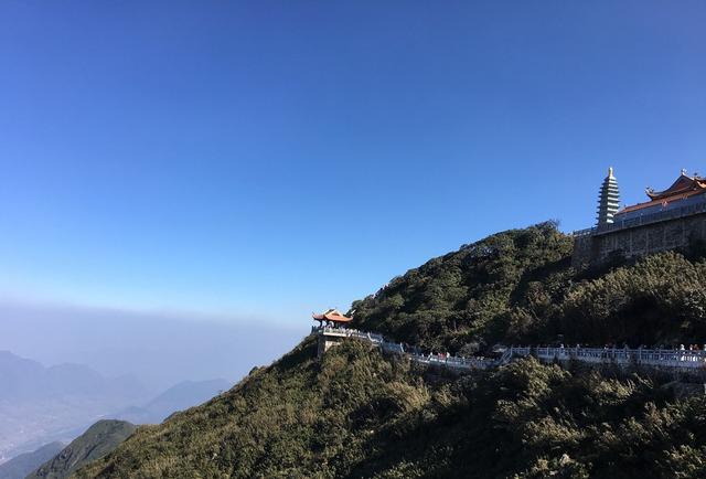 Kiến trúc chùa Việt trên đỉnh núi đẹp như tiên cảnh trên đỉnh Fansipan - Ảnh 10.