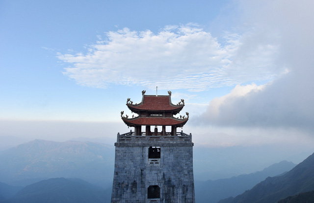 Kiến trúc chùa Việt trên đỉnh núi đẹp như tiên cảnh trên đỉnh Fansipan - Ảnh 11.