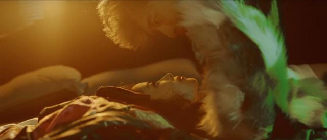 Fan nữ nháo nhào truy tìm sản phẩm xuất hiện trong MV Người Lạ Ơi 2 - Ảnh 3.