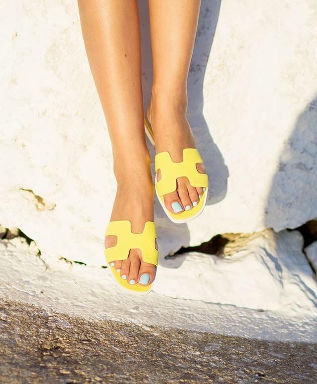 """Hermès Oran sandals – Mẫu dép cộp mác """"quý cô thanh lịch"""" - Ảnh 2."""