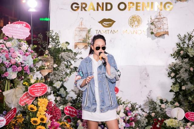 Ca sĩ Bảo Anh, Hoa hậu Đỗ Mỹ Linh đẹp rạng ngời trong lễ khai trương store của Tâm Tâm makeup & Mandy Hair Stylist - Ảnh 9.